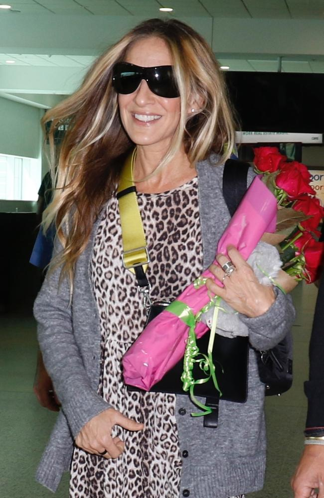 How Sarah Jessica Parker dresses for a flight! The award-winning actress arrived in Melbourne yesterday. Picture: Matrix Media Group