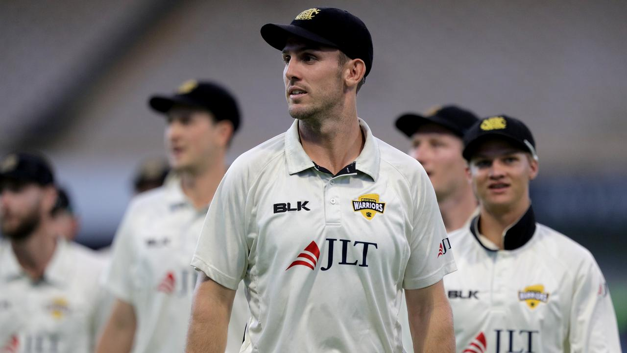 Western Australia has dominated the second innings to beat Queensland by 136 runs at the WACA Ground to stay in the hunt for a place in the Sheffield Shield final.