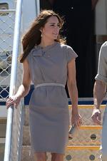 <p>Catherine, Duchess of Cambridge wears Roksanda Ilincic as she steps of the plane at Uluru. Picture: Getty</p>