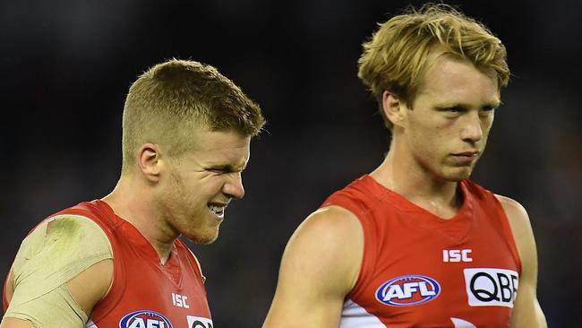 Callum Mills (right) says the Swans can still make the finals. Photo: AAP Image/Julian Smith