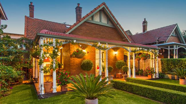 4 Hastings St, Marrickville sold under the hammer last week for $2.06 million. The reserve was $2 million.