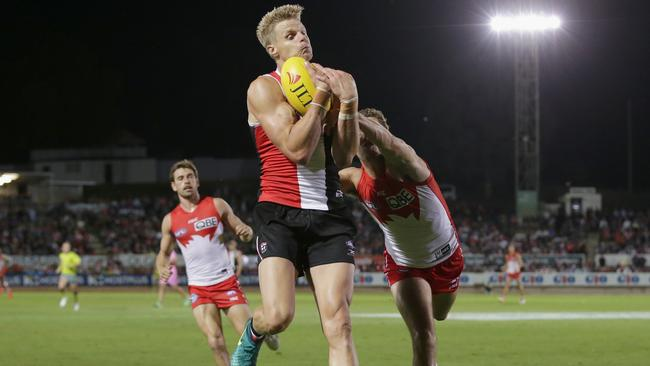 Nick Riewoldt takes a strong mark for St Kilda. Picture: Getty Images