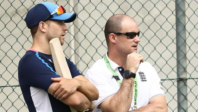 BRISBANE, AUSTRALIA — NOVEMBER 22: England Director of Cricket Andrew Strauss speaks with Dawid Malan of England during an England nets session at The Gabba on November 22, 2017 in Brisbane, Australia. (Photo by Ryan Pierse/Getty Images)