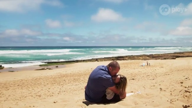 Sonya died in Toadie's arms on a beach.