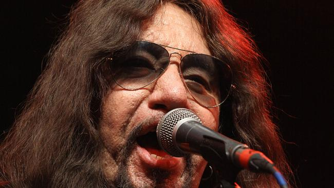 Kiss Feud Ace Frehley Accuses Gene Simmons Of Groping Wife