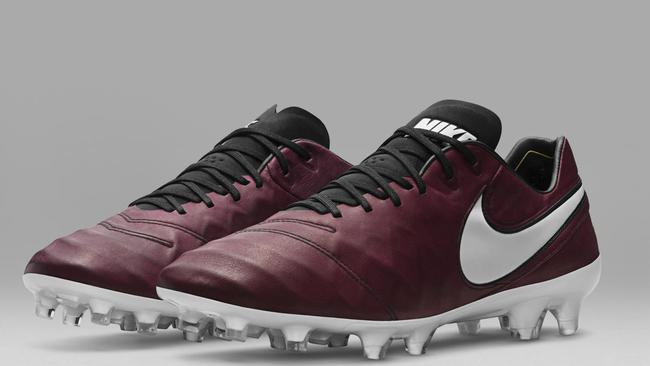 online store 9aab7 7ad4d Totti's Nike Tiempos: Gold boots released to celebrate Roma ...