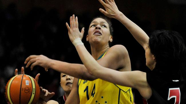 Liz Cambage playing for the Opals.