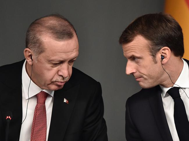 Turkish President Recep Tayyip Erdogan (L) and President Emmanuel Macron have traded barbs lately. Picture: OZAN KOSE / AFP.