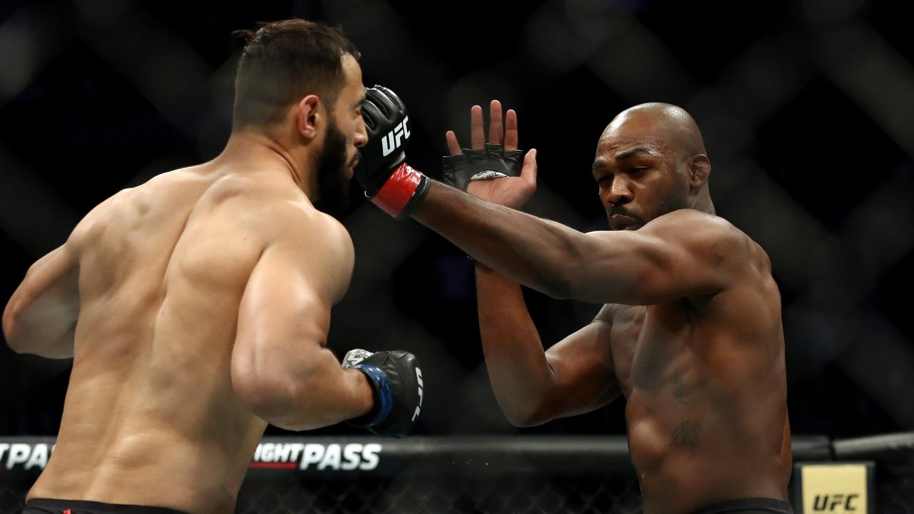 Dominick Reyes and Jon Jones in their UFC Light Heavyweight Championship bout.