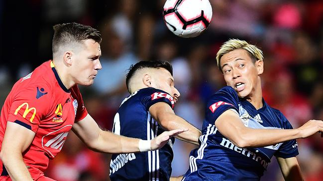 Victory struggled to break down Adelaide's resolute defence.