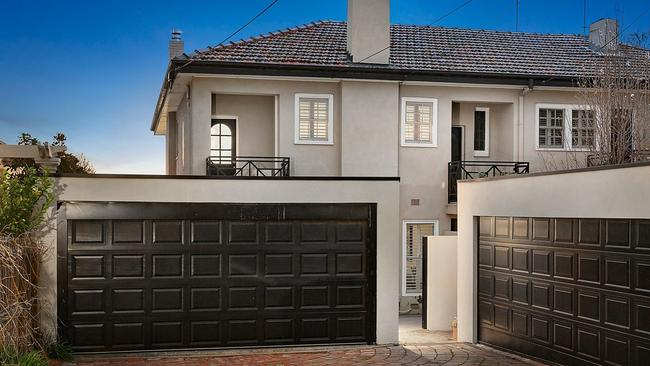 82 Wilson St, Brighton is going to auction.