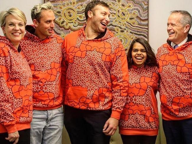Deputy Leader of the opposition Tanya Plibersek, AIME CEO and Founder Jack Manning Bancroft, Ian Thorpe, AIME co-CEO Bianca Hunt and Leader of the Opposition Bill Shorten celebrating Hoodie Day.