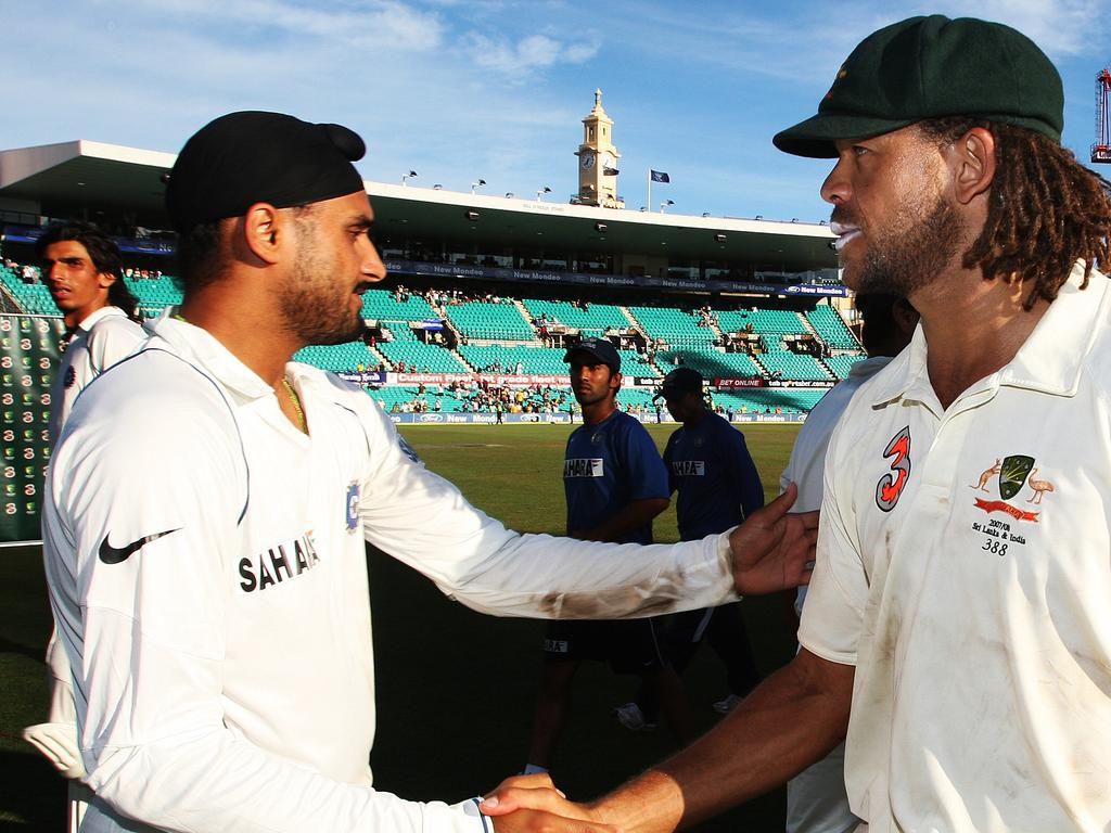 Cricketer Harbhajan Singh (l) shaking hands with Andrew Symonds after Australia won. Cricket - Australia vs India day 5 Second Test match at SCG 06 Jan 2008.  /Cricket/Australia/vs/India
