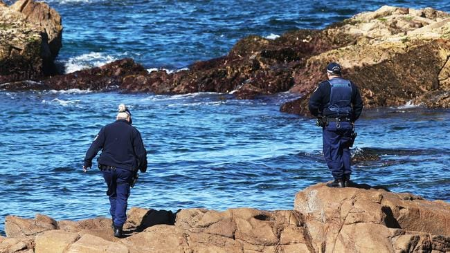 Police search off Anna Bay. Picture: Peter Lorimer.