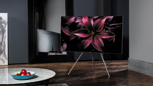 Samsung QLED TV has almost no bezel and looks amazing.