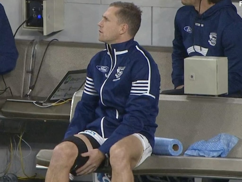 Joel Selwood is done for the night with a hamstring injury.