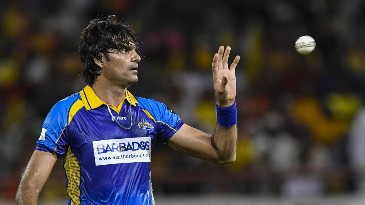 Mohammad Irfan conceded his first and only run off his final delivery.