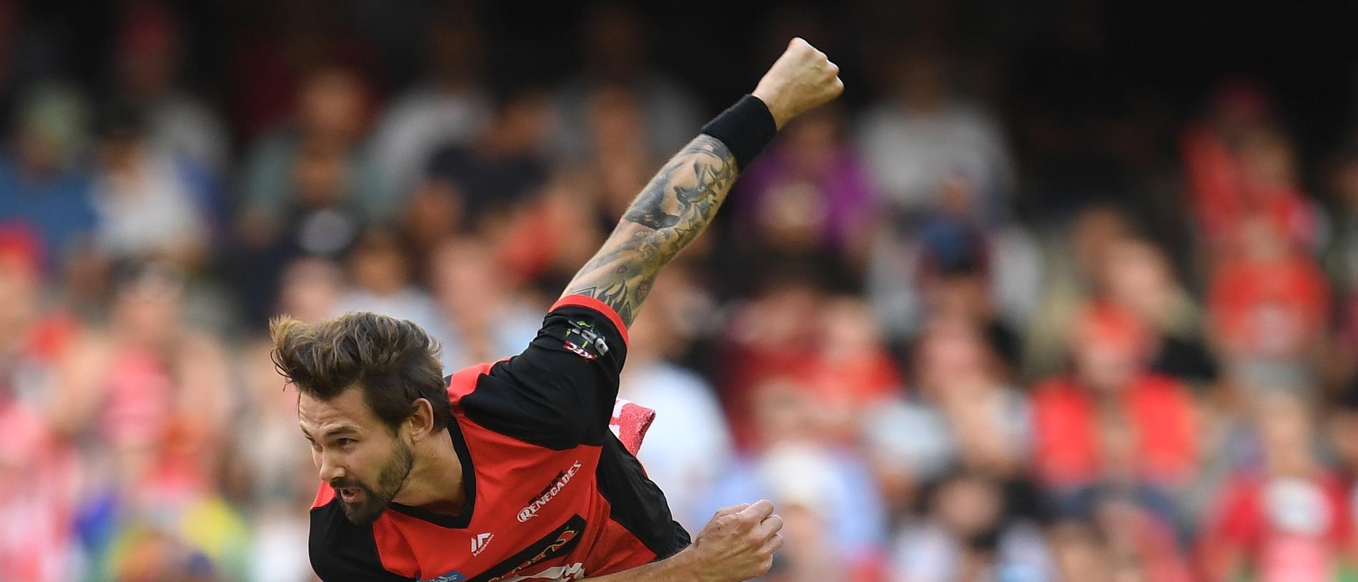 Kane Richardson of the Renegades bowls during the Big Bash League (BBL) match between the Melbourne Renegades and the Hobart Hurricanes at Marvel Stadium in Melbourne, Monday, January 7, 2019. (AAP Image/Julian Smith) NO ARCHIVING, EDITORIAL USE ONLY, IMAGES TO BE USED FOR NEWS REPORTING PURPOSES ONLY, NO COMMERCIAL USE WHATSOEVER, NO USE IN BOOKS WITHOUT PRIOR WRITTEN CONSENT FROM AAP