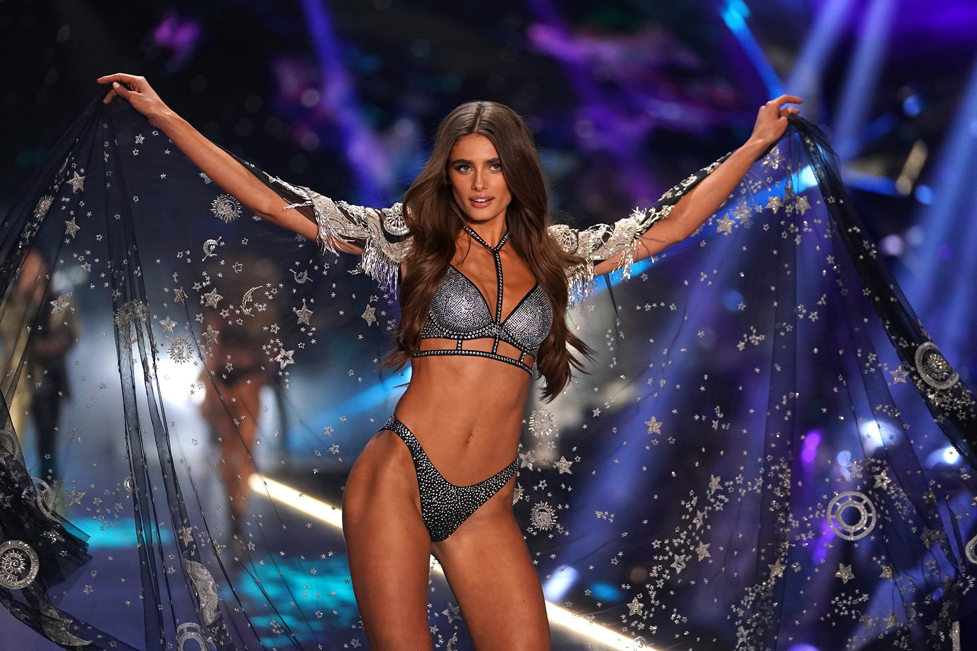 The Internet Is Not Happy With Victoria s Secret s Ed Razek Over His ... a1aeb4991