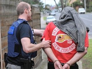 Vic bikie raids don't find military rifles