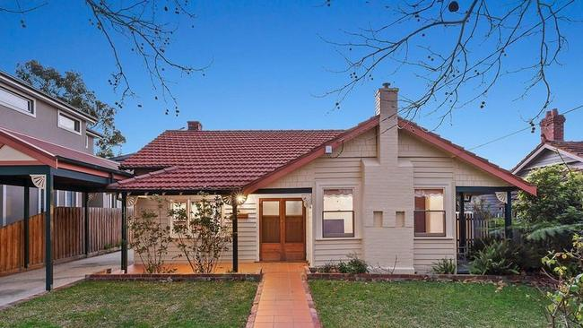 15 Sycamore St, Malvern East eclipsed its reserve by a quarter of a million dollars.
