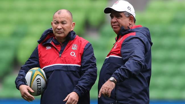 Eddie Jones led England to a three-nil series whitewash over the Wallabies and called on the assistance of Glen Ella (R) as backs coach.