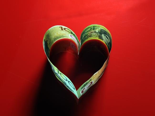 Lonely hearts lost $131m to scams in 2020, according to the report. Photo: Karin Calvert