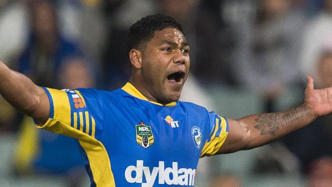 Chris Sandow of shows his frustration.