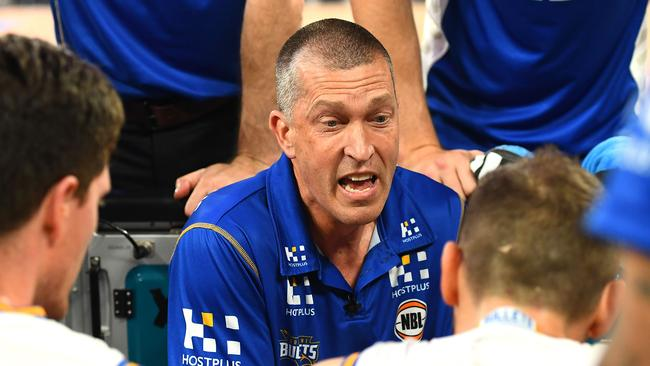 Brisbane coach Andrej Lemanis tries to get the best out of his team late on against United.