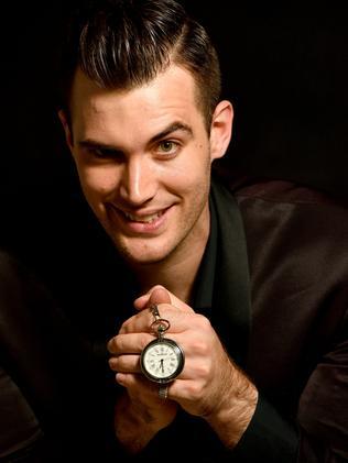 L'hypnotiseur Isaac Lomman.  Photo: KERYN STEVENS