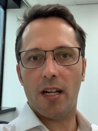 Alex Turnbull, son of former PM Malcolm Turnbull, has released a video on YouTube where he declares voters should not vote liberal in the seat of Wentworth