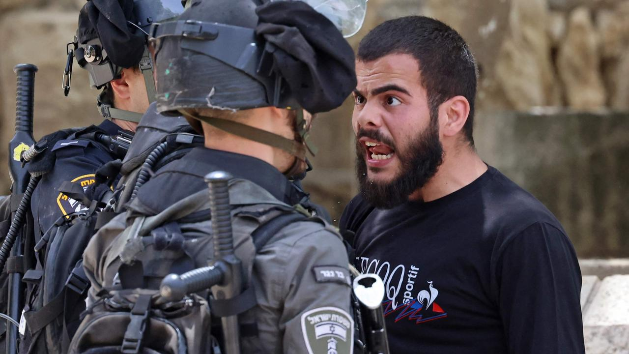 Jerusalem Day: Hundreds injured at Al-Aqsa mosque in Israel-Palestine clashes ahead of march – NEWS.com.au