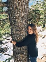 "Bindi Irwin #treehugger..""Sometimes you just need to connect with our beautiful Mother Earth..."" Picture: Bindi Irwin / Instagram"