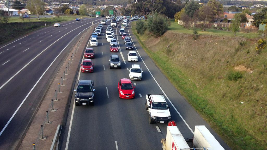 Hobart city traffic brought to standstill by three car crash on ...