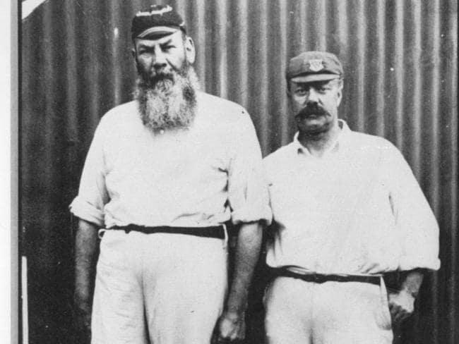 Billy Murdoch (R) with legendary England captain W.G. Grace.