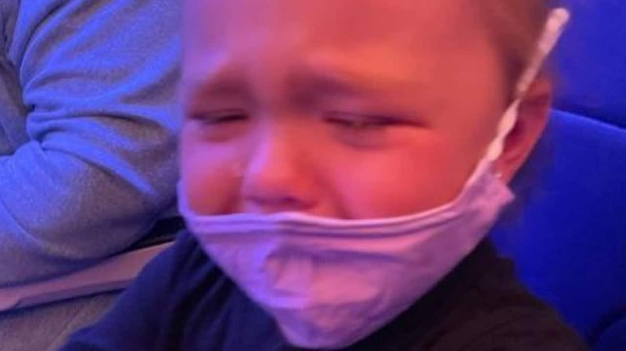 Southwest Airways tells mum to connect masks to toddler's face