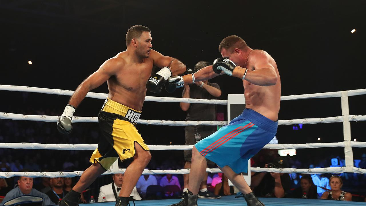 Rob Baron v Justin Hodges ended in 75 seconds. Picture: Brett Costello