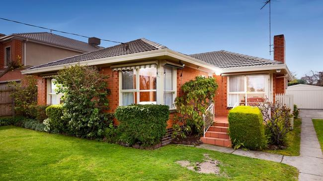 55 Diosma Drive, Glen Waverley exceeded its reserve by $370,000.