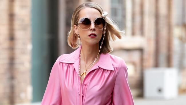 Stylist's incredible $10 fashion week outfit