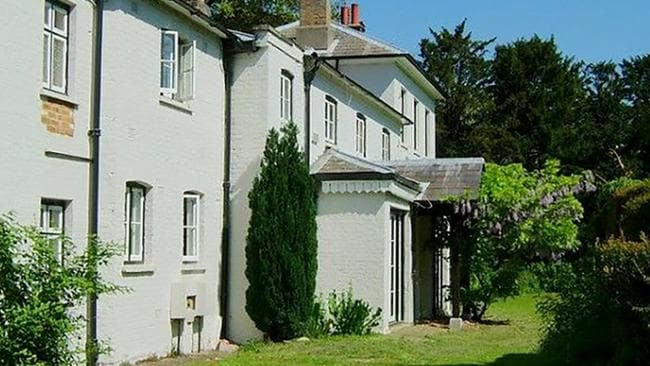 Meghan Markle wanted to have the baby at Frogmore Cottage, the new home of the Duke and Duchess of Sussex.