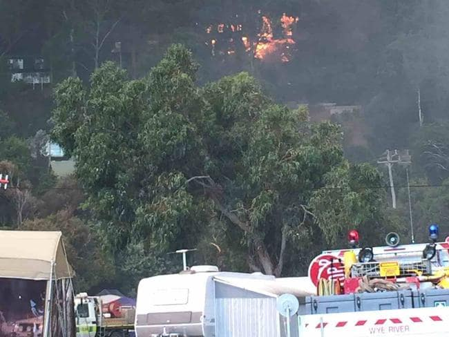 Bushfires burn at Wye River Picture Tony Maly