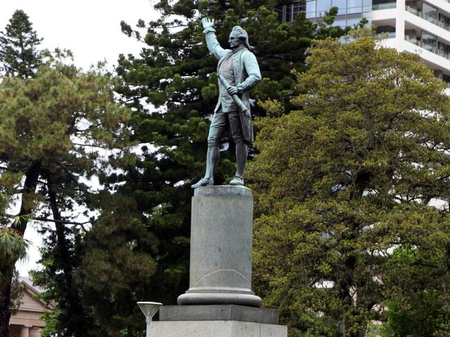 The statue of Captain Cook seen in Hyde Park.