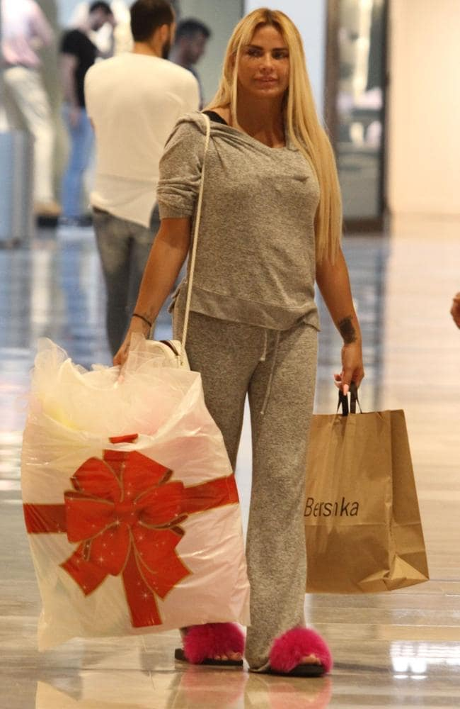 Katie Price steps out in Turkey after facelift. Photo: Backgrid