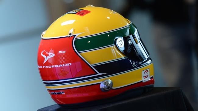 Pagenaud will race with a Senna-themed helmet.
