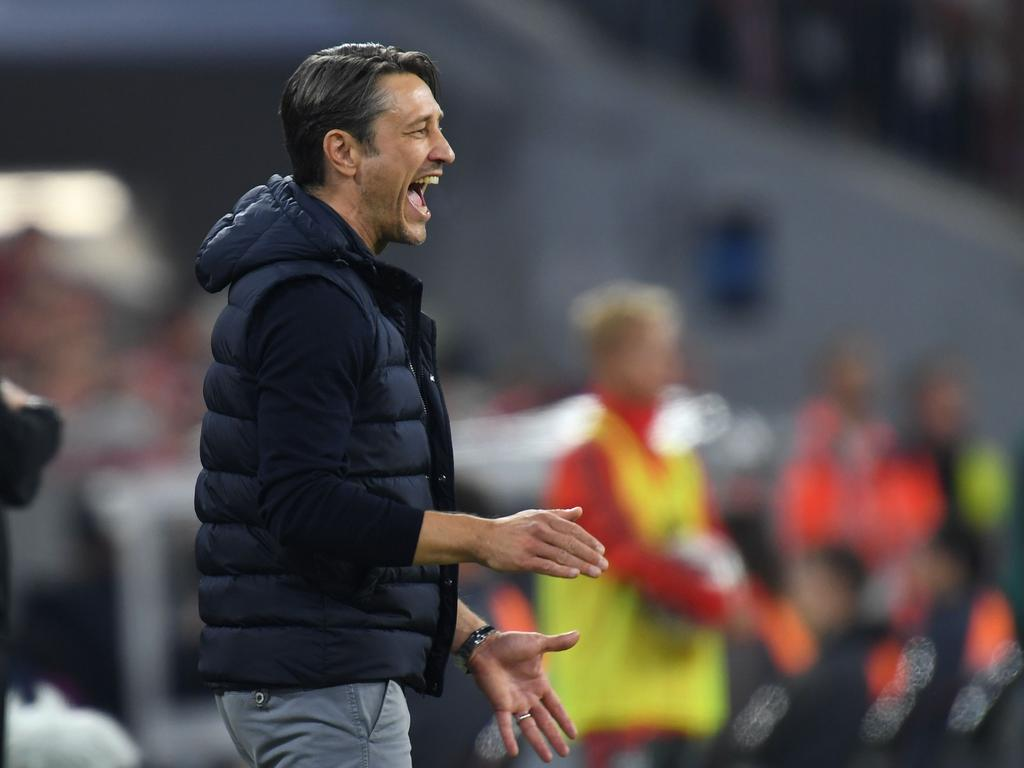 (FILES) In this file photo taken on October 06, 2018 Bayern Munich's Croatian headcoach Niko Kovac reacts on the pitch during the German first division Bundesliga football match FC Bayern Munich vs Borussia Moenchengladbach in Munich, southern Germany. - Bayern Munich coach Niko Kovac said on October 19, 2018 the German champions must stick to their guns at Wolfsburg on October 20, 2018 if they are to break their four-match winless streak and get back into the Bundesliga title race. (Photo by Christof STACHE / AFP) / RESTRICTIONS: DFL REGULATIONS PROHIBIT ANY USE OF PHOTOGRAPHS AS IMAGE SEQUENCES AND/OR QUASI-VIDEO
