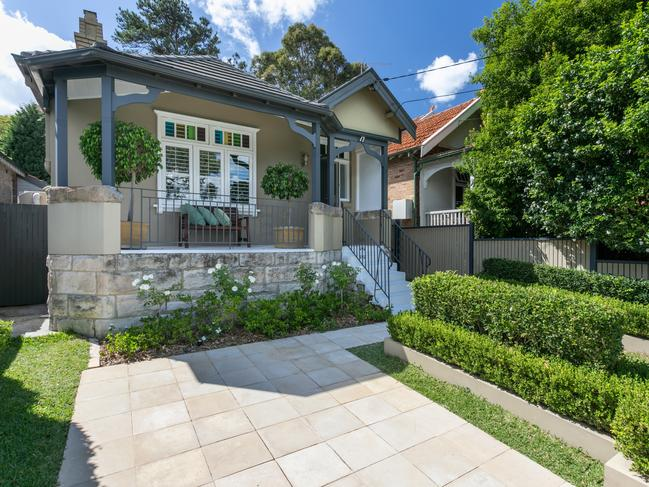 No. 17 Laycock St, Neutral Bay sold for 68 per cent more than the $1.615 million the owners paid in 2013.