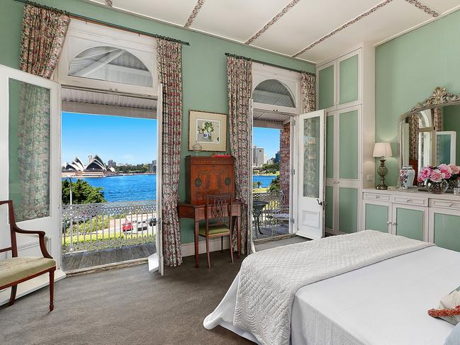 The main bedroom has Harbour views from the bedroom and private balcony.