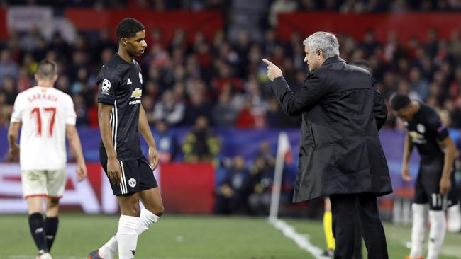 Manchester United manager Jose Mourinho talks to Manchester United's Marcus Rashford
