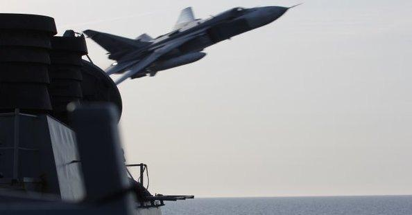 US: Russian Fighter Jets Buzz Past US Destroyer in Baltic Sea April 11