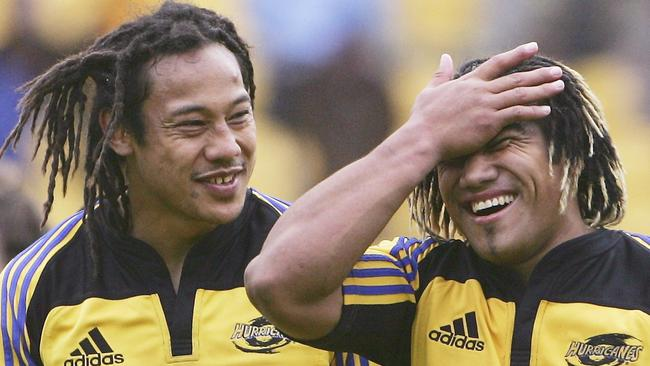 Tana Umaga and Ma'a Nonu of the Hurricanes after defeating the Waratahs in 2005.
